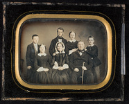 Visualizza Family portrait of the Hagelsteens. anteprime su