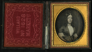 Visualizza Half length oval portrait of lady facing righ… anteprime su
