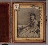 Visualizza Three quarter length portrait of a woman, who… anteprime su