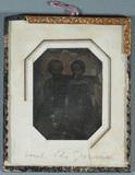 Visualizza Portrait of two girls. anteprime su