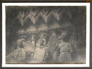 Visualizza Gothic statues of angels standing beneath a g… anteprime su