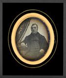 Thumbnail preview van Portrait d'homme, à mi-corps, assis, de face,…
