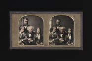 Visualizza Stereoscopic group portrait of two men and tw… anteprime su