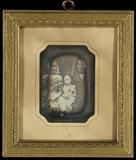 Visualizza Ehepaar mit ihrer kleinen Tochter in der Mitt… anteprime su