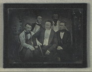 Esikatselunkuvan Group portrait of unidentified men näyttö