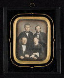 Visualizza Family portrait of four persons. Anna Hedevig… anteprime su
