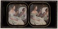 Visualizza Frau mit Blume vor einem Spiegel anteprime su