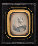 Visualizza Portrait of a woman. Daguerreotype of a drawi… anteprime su