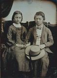 Visualizza Porträt eines Kinderpaares (Mädchen und Junge… anteprime su