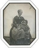 Visualizza Portrait d'une femme avec enfant anteprime su
