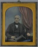 Prévisualisation de Älterer Gentleman mit Zylinder in der Hand si… imagettes