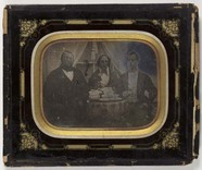Thumbnail preview of Group portrait of three persons