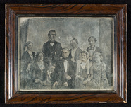 Miniaturansicht Vorschau von Family group portrait of nine persons. Among …