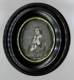 Thumbnail preview of Dreiviertelporträt einer unbekannten Dame auf…