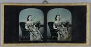 Miniaturansicht Vorschau von Portrait eines jungen Mädchens im Sessel sitz…