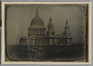 Visualizza View of St. Paul's cathedral, London with nea… anteprime su