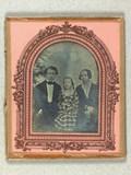 Thumbnail preview of Gruppeportræt af uidentificeret familie