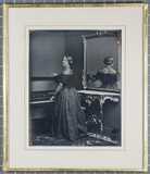 Visualizza Daguerreotype of Jenny Lind standing beside a… anteprime su