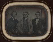 Visualizza Portrait de trois hommes anteprime su