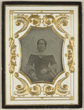 Visualizza Portrait of a woman with shawl anteprime su