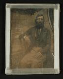 Thumbnail preview of Herrenporträt, Dreiviertelfigur, vor gemaltem…