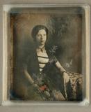Visualizza Bildnis einer Dame in gestreiftem Kleid mit K… anteprime su