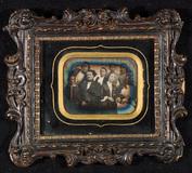 Visualizza Group portrait, nine persons, four adults sea… anteprime su