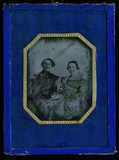 Miniaturansicht Vorschau von Head and shoulders portrait of a couple, He i…