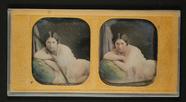 Miniaturansicht Vorschau von Dreiviertelakt einer liegenden jungen Frau, u…