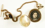 Thumbnail af Goldmedaillon mit Siegelstempel und Kette, mi…