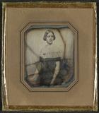 Visualizza Portrett av Jenny Lind stående ved et bord, h… anteprime su