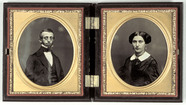 Miniaturansicht Vorschau von case with 2 portraits of a man and a woman, m…