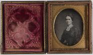 Visualizza portret van een vrouw, zittend, driekwart, bu… anteprime su