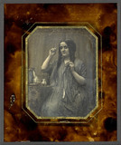 Thumbnail preview of Portrait de femme jeune, en robe à plis, se c…