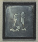 Visualizza Double portrait of unidentified women anteprime su