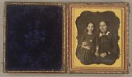 Esikatselunkuvan A three quarter length double portrait showin… näyttö
