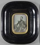 Visualizza Three quarter length portrait of a military y… anteprime su