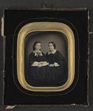 Thumbnail af Portrett av to kvinner, søstrene Hanne og Jan…
