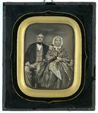 Miniaturansicht Vorschau von Dieses Porträt eines alten Paares entstand in…