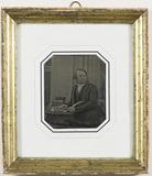 Visualizza Portrait of Martinus Nissen Drejer. A man wea… anteprime su