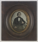 Visualizza 3/4 length portrait of a young man, facing fr… anteprime su