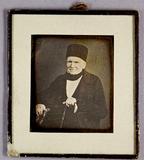 Miniaturansicht Vorschau von Bildnis eines älteren Mannes mit Gehstock.