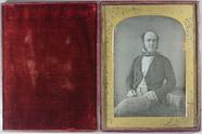 Visualizza Three quarter length portrait of a man, seate… anteprime su