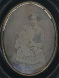 Visualizza Portrait d'une femme et un bébé anteprime su