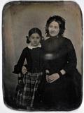 Miniaturansicht Vorschau von Portrait of a sitting lady with child