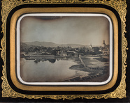 Visualizza «Byprospekt fra Bergen, 1854. Store Lungegård… anteprime su