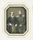 Visualizza En face Porträt eines unbekannten Paares sitz… anteprime su