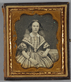 Visualizza Three-quarter length portrait of a young woma… anteprime su