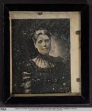 Visualizza Hüftbild einer Frau mit schwarzem Spitzenklei… anteprime su