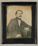 Stručný náhled Mann mit Schnurrbart, Linke aufgestützt, um 1…